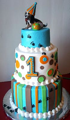 Dog Theme 1st Birthday Cake -- Adorable!! @Cindy Berrier   can you make this for Sadie...  hahaha lol