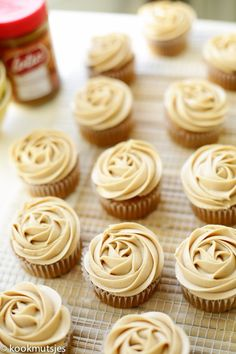 Dutch Recipes, Sweet Recipes, Cake Recipes, Dessert Recipes, Brownie Cupcakes, Cheesecake Cupcakes, Cake Cookies, Cupcake In A Cup, Diy Cupcake