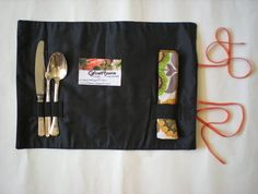 Retro picnic placemat roll by GrowMama on Felt. What a great idea! Very cute for summer :)