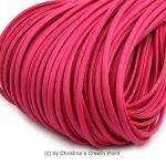 Band Lederoptik flach Pink 2,5 mm - 5 m - dieses schicke Band können Sie auf viele verschiedene Arten einsetzen. Es wird gernefür die Herstellung von Ketten und Armbändern genutzt.Material: PolyuretanBreite:2,5 x 1mmLänge:5 mDieses Band kann nur jeweils als5 Meter geliefert werden.