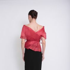 Ditta Sandico is a visionary fashion designer that embraces an ecological-friendly design and sustainable production process. Modern Filipiniana Dress, Filipino Wedding, Barong, Western Dresses, Green Fashion, Beautiful Gowns, Closets, Dress Making, Fashion Dresses