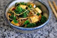 Fabuleuse recette santé | Nouilles soba aux tofu, chou kale et furikake