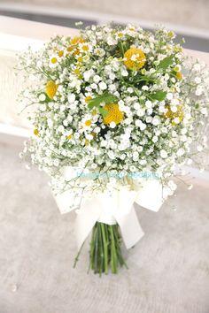 かすみ草/グラスペディア/マトリカリア/花どうらく/http://www.hanadouraku.com/bouquet/wedding/hanadouraku