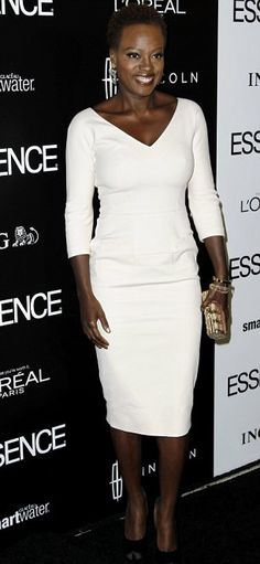 Miss Viola Davis rocking natural and also looking stunningly gorgeous in all white!
