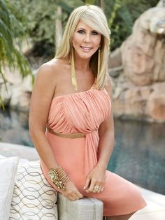 Picture: Vicki Gunvalson in 'Real Housewives of Orange County.' Pic is in a photo gallery for Vicki Gunvalson from Real Housewives of Orange County featuring 18 pictures. Shannon Beador, Pop Culture Halloween Costume, Vicki Gunvalson, Real Housewives, Housewives Gossip, Housewife, Older Women, Orange County, It Cast