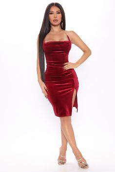 Curve Dresses, Mid Length Dresses, Tight Dresses, Velvet Bodycon Dress, Really Cute Outfits, Bad Girls Club, Swimsuits For Curves, Curves Clothing, Jumpsuits For Women