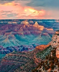 Sunset over the Grand Canyon ...