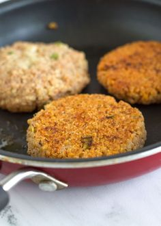 Gluten Free Crispy Quinoa Patties with Tomato and Garlic | nourishedtheblog.com | The perfect hearty and stick-together bean-free and soy-free veggie burger made completely gluten free and vegetarian-friendly with only 10 ingredients. They are crispy, chewy and perfect for dinner tonight.