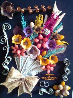 Buket Uang Wedding Crafts, Wedding Decorations, Money Bouquet, Hand Bouquet, Arts And Crafts, Diy Crafts, Hoshi, Shadow Box, Envelopes