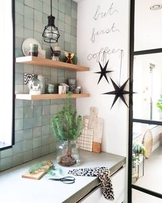 ideas kitchen tiles backsplash ideas awesome for 2019 Living Room Furniture, Living Room Decor, Bedroom Decor, Kitchen Tiles, Kitchen Decor, Kitchen Cabinet Styles, New Kitchen Designs, Country House Plans, Decoration Design