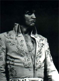 Elvis on stage at the Madison square garden ( N-Y) in june 10 1972 , afternoon concert