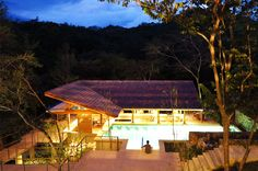 Río Perdido in Costa Rica, perfect for a milestone celebration. Call us 972-322-1201