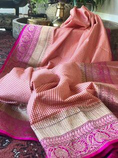 Clothes For Women Dressy Blouses Ideas For 2019 Trendy Outfits For Teens, Trendy Clothes For Women, Indian Silk Sarees, Soft Silk Sarees, Sari Design, Neck Designs For Suits, Elegant Saree, Traditional Sarees, Indian Ethnic Wear