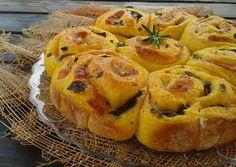 Oggi vi propongo questo soffice e buonissimo pan brioche salato di zucca con funghi e provola davvero gustoso e perfetto in ogni occasione.