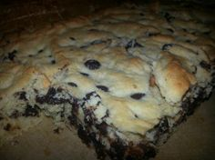 Reaching Higher Daily: Chocolate Chip Cookie Bar - THM S try in muffin pan next time to avoid drying out. Choc Chip Cookie Bar Recipe, Chocolate Chip Cookie Bars, Low Carb Desserts, Healthy Desserts, Delicious Desserts, Healthy Cookies, Healthy Foods, Healthy Life, Healthy Eating