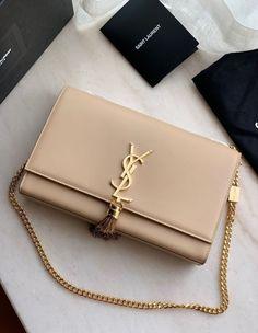 Luxury Purses, Luxury Bags, Luxury Handbags, Chanel Handbags, Purses And Handbags, Designer Handbags, Handbags For Women, Hand Bags Designer, Chanel Bags
