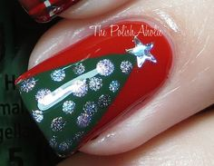 Close up of tree accent nail - easy to do tapped off triangles, dotting tool with a glitter star atop the tree. Christmas Tree Nails, Christmas Nail Designs, Merry Chistmas, Simple Christmas, Alabama Nail Art, Winter Nails, Summer Nails, Lilac Nails Design, Nailart