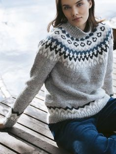 Easy Sweater Knitting Patterns, Intarsia Knitting, Knit Patterns, Free Knitting, Icelandic Sweaters, Wool Sweaters, Style Norvégien, Nordic Sweater, Lace Sweater