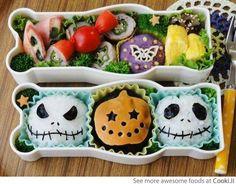 Halloween cupcakes (www.deadchicksarecool.com)