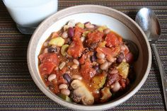 The Healthy Happy Wife: Vegetarian Chili or is Chilli (Dairy, Gluten Free, with BPA Free Option)