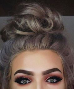 Top 16 hair colour trends for this summer 2017 Grey Hair with pink eye shadow