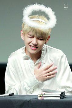   BTS   #TaeHyung  #V