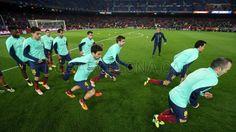 FC Barcelona, el Primer Equipo en la fase de calentamiento. | FC Barcelona 2-1 Villareal | J.16  [14.12.13] FOTO: MIGUEL RUIZ-FCB.