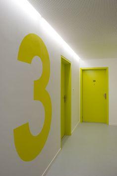 OP13 / PHD Architectes Arquitetos: Philippe Dubus Architectes, Paris, France  ph Simon Deprez