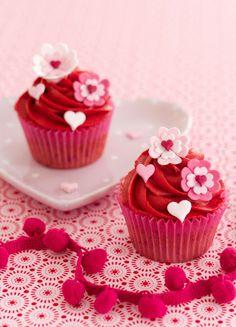 Cakes Haute Couture - El Blog de Patricia Arribálzaga: Receta de cupcakes de Frambuesa y tutorial de deco...