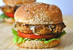 Veggie burger (made with: cannellini beans, hummus, green bell pepper, & eggplant) #vegan