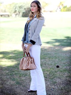 Laid back preppy- white pants, gray blazer Style Matters, Blazer Outfits, Dress For Success, Classy And Fabulous, Fall Winter Outfits, Spring Summer Fashion, Nice Dresses, Cute Outfits, Style Inspiration