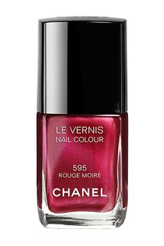 Top Manicurists Pick Their Fave Fall Nail Polishes - Chanel Le Vernis in Rouge Moire