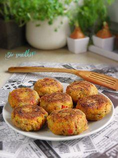 sio-smutki! Monika od kuchni: Kotlety warzywne Polish Recipes, Polish Food, Tandoori Chicken, Bon Appetit, Food Styling, Baked Potato, Veggies, Food And Drink, Vegetarian