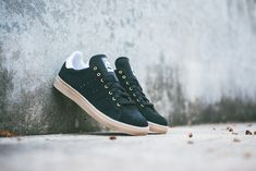 "adidas Skateboarding Stan Smith Vulc ""Black & Gum"""