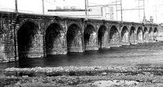 lovesphotoalbum.com wp-content uploads 2012 02 Black-White-Of-Old-Trenton-NJ-Rail-Road-Bridge.jpg