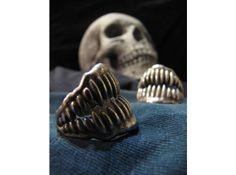 Jaw Ring Size8 by Eeppium on Shapeways  shop:  http://www.shapeways.com/shops/eeppium #ShapewaysHalloween