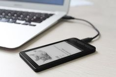 InkCase Plus Adds An E-Ink Display To Your Smartphone