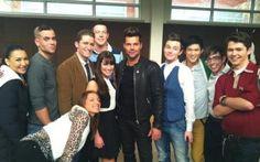 Criador de Glee oferece nova série a Ricky Martin