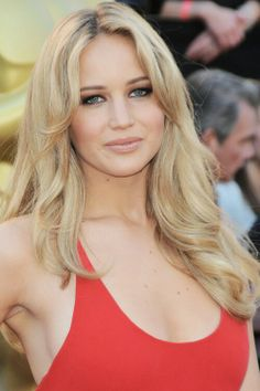 Long beach blonde locks for Jennifer Lawrence