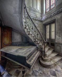 Chateau Verdure - #allabandoned #abandoned #abandonment_issues #ruins #abandoned_earth #abandonedearth…