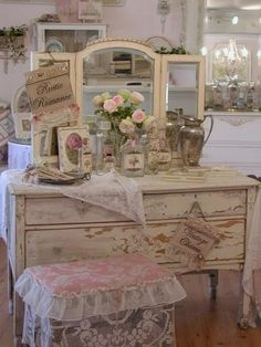 Shabby dresser | Shabby, cottage and farmhouse chic on We Heart It - http://weheartit.com/entry/61653212/via/linxy_zn   Hearted from: http://pinterest.com/pin/1829656071527121/