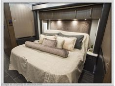 2020 Foretravel RV Iron - Luxury Villa 2 for Sale in Alvarado, TX 76009 Diesel For Sale, Rv For Sale, Luxury Rv, Luxury Villa, Air Mattress, Custom Cabinetry, Exterior Colors, Colorful Interiors, Light Colors