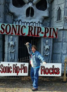 Rock with Sonic Rip-Pin