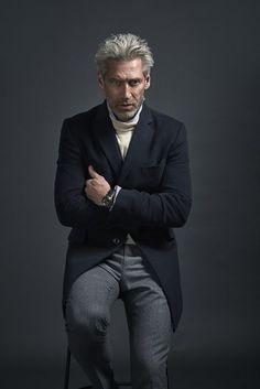 Dapper Gentleman, Gentleman Style, Fall Winter Outfits, Autumn Winter Fashion, Older Mens Fashion, Corporate Portrait, Cyberpunk Fashion, Next Clothes, Poses For Men