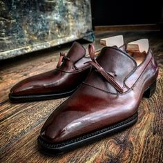 Novecento Line Montecarlo in Perfetta last, hatch grain Alpine Low Heel Shoes, Slip On Shoes, Leather Loafers, Brogues, Formal Shoes, Casual Shoes, Hot Shoes, Men's Shoes, Dream Shoes