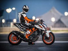 2016 EICMA Motorcycle Show: The 2017 KTM Super Duke R Is Here