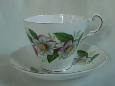 LOVELY VINTAGE REGENCY CHRISTMAS ROSE ENGLISH BONE CHINA CUP & SAUCER  #Regency