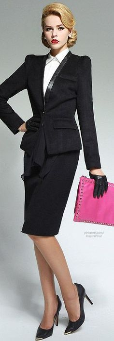 Black Skirt Suit White Blouse and Black High Heels Business Chic, Business Outfits, Business Attire, Office Outfits, Business Fashion, Business Meeting, Office Attire, Office Fashion, Work Fashion