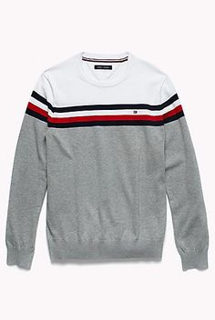 The colorblock trend continues with this soft sweater made of pure cotton. Tommy Hilfiger Outfit, Sueter Tommy Hilfiger, Tommy Hilfiger Sweater Men, Lounge Underwear, Swag Outfits Men, Camisa Polo, Outfit Grid, Color Block Sweater, Boys Shirts