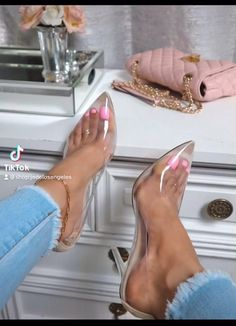 Clear High Heels, Hot High Heels, Fashion Heels, Sneakers Fashion, Pink Fashion, Kylie Jenner Shoes, Heels Outfits, Swag Outfits, Glass Dolls
